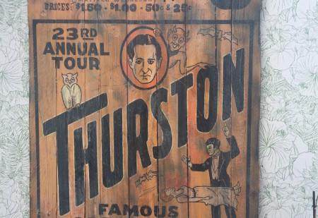 affiche ancien vintage sur bois thurston woodflagg décoration murs déco intérieure